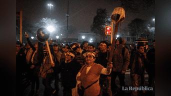 Miles de ciudadanos marcharon contra el Congreso y el alza de combustible Foto: Hanslitt Cruzado