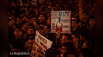 Miles de ciudadanos marcharon contra el Congreso y el alza de combustible Foto: Mauricio Malca