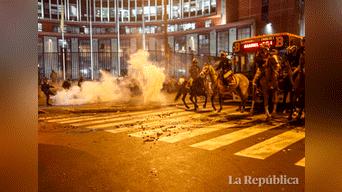 Durante la marcha se desató el enfrentamiento entre la Policía y protestantes Foto: Mauricio Malca