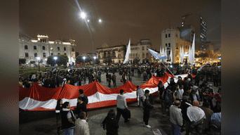 Policía impidió marcha que exige cierre del Congreso y mejoras laborales de maestros. Foto: Renato Pajuelo