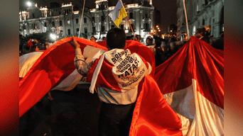 Policía impidió marcha que exige cierre del Congreso y mejoras laborales de maestros. Foto: Jorge Cerdan