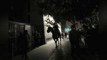 Policía montada dispersó a los manifestantes. Foto: Michael Ramón.