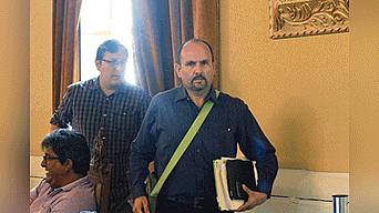 Firme. Fernando Díaz defiende contrato de concesión.