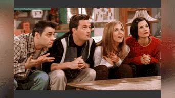 Perry junto a sus compañeros de la serie