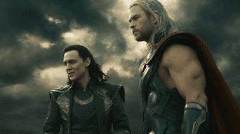 Thor, Un mundo oscuro: el dios del trueno su hermano Loki enfrentan a los elfos oscuros, quienes quieren derrocar Asgard.