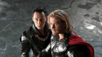 Thor: La primera entrega del dios del trueno narra cómo 'Thor' tiene que luchar para ascender al trono de Asgard.
