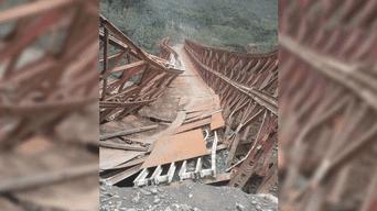 En Cusco puente de Vilcabamba colapsó tras el paso de volquete
