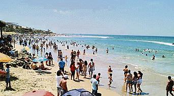 Playas de Máncora. Son el principal atractivo turístico de miles de bañistas nacionales y extranjeros.