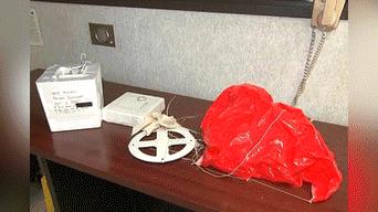 Las autoridades llegaron a la escena para confirmar el contenido de la caja.