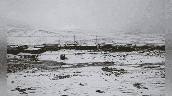 Nevadas que cubren las viviendas en la comunidad de Alto Comuncancha, el Lircay, Huancavelica.