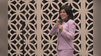 """Con """"La casa de las flores"""", Verónica Castro marca su regreso a las pantallas e interpreta a Virginia de la Mora.(Foto: captura)"""