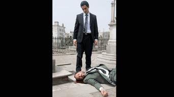 """'Caiga quien caiga"""" se mantiene en todas las salas de cine a nivel nacional; con un elenco de primer nivel encabezado por Miguel Iza como Vladimiro Montesinos y Eduardo Camino como José Ugaz."""