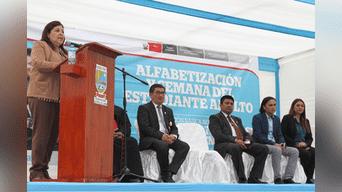 Adultos mayores celebran Día de la Alfabetización en Lurín.