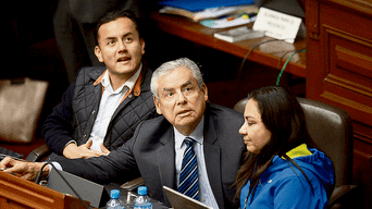Visita. El premier César Villanueva fue convocado a última hora al Pleno. Votó a favor del retorno de la bicameralidad. Estuvo acompañado por el ministro de Justicia, Vicente Zeballos.