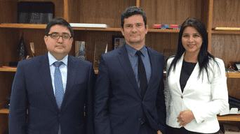 Con Moro. Procurador Jorge Ramírez y Silvana Carrión.