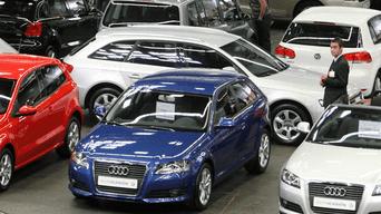 Mujeres ganan participación en mercado automovilístico. Foto: Olx