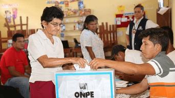 La ONPE detalló que una mesa de votación está integrada por tres miembros titulares (presidente, secretario y tercer miembro) y tres suplentes.