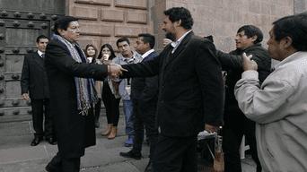 Candidatos Luis Pantoja y Victor Baluarte se encontraron en la catedral de Cusco