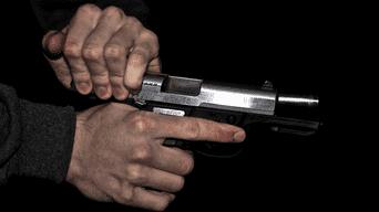 Charles Sander disparó contra su exyerno y luego se suicidó. (Imagen referencial)