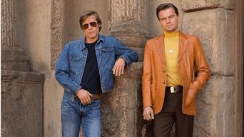 Brad Pitt y Leonardo Dicaprio lucen look del pasado.