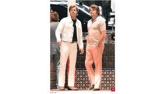Pantalones ceñidos y en tono pasteles.