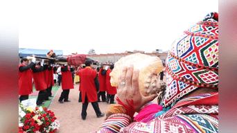 Suenan los pututus, llega el Taytacha al penal de Quencoro, en el Cusco. Foto: Walter Zapana.