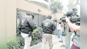 Intervención. La Policía ingresa al domicilio de Jorge Yoshiyama Sasaki, en San Borja.