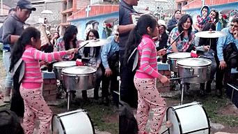 Facebook video viral: niña peruana sorprende a miles con su talento para tocar la batería