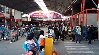Arequipa: Municipio realiza operativo para cerrar mercado en Avelino Cáceres y termina dándole 20 días más