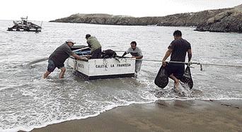 Descarga. El recurso marino lo traen del norte peruano y lo descargan en Arequipa.