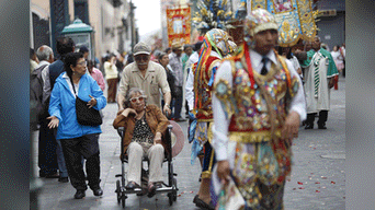 Pasacalles en diferentes calles de Lima Metropolitana. Foto: Mauricio Malca