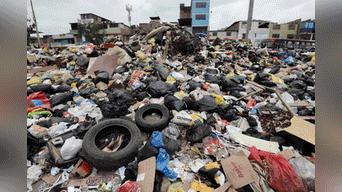San Juan de Miraflores sigue acumulando basura . Foto: Melissa Merino