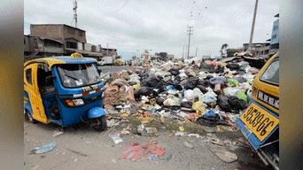 En varios puntos de la extensa avenida Salvador Allende de SJM se acumula gran cantidad de basura.  Foto: Melissa Merino