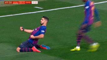 fbd8e4442dd42 Real Madrid vs Barcelona EN VIVO ONLINE  Luis Suárez puso el 1-0 en el  Santiago Bernabéu por Copa del Rey 2019.