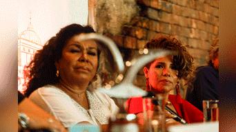 """La cantante llegó emocionada y feliz juntos con Pelo D' Ambrosio, Eva Ayllón y Jesús """"El Viejo"""" Rodríguez. Foto: Aldair Mejia"""