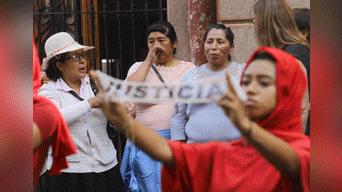 Victimas del conflicto armado interno realizan plantón. Foto: Michael Ramón