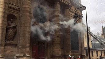 Incendio, Iglesia San Sulpicio, Francia, Paris
