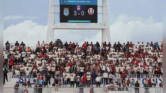 Hinchas de la U llegaron de diversas ciudades del sur para apoyar a su equipo