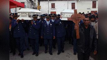 Autoridades participaron del entierro. Foto: Melissa Valdivia