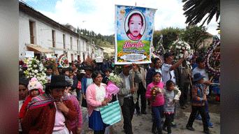 Profundo dolor por asesinato de niñas. Foto: Melissa Valdivia