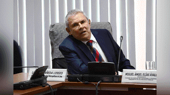 A su salida Luis Castañeda Lossio evitó pronunciarse sobre la situación actual de la ex alcaldesa de Lima Susana villarán, quien cumple prisión preventiva por 18 meses. Foto: Jorge Cerdan.