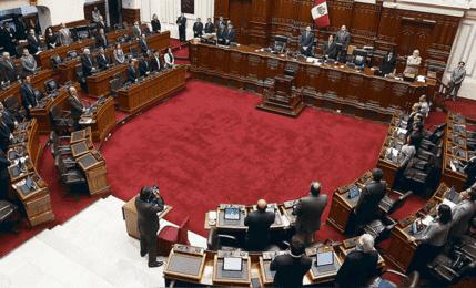 Pleno debate tras presentación de cuestión de confianza