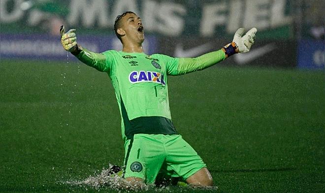 Futbolista que murió en tragedia del Chapecoense fue elegido el mejor  jugador de Brasil en 2016  edae85a2a60