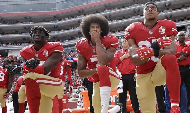 Colin Kaepernick  Nike ficha a un exjugador de la NFL símbolo antirracista   a8ea091630d