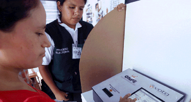 En Arequipa, Tacna y Cusco, porcentaje de indecisos lleva la delantera para segunda vuelta