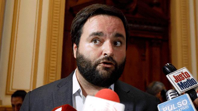 Alberto de Belaunde niega que la Bancada Liberal sea del oficialismo