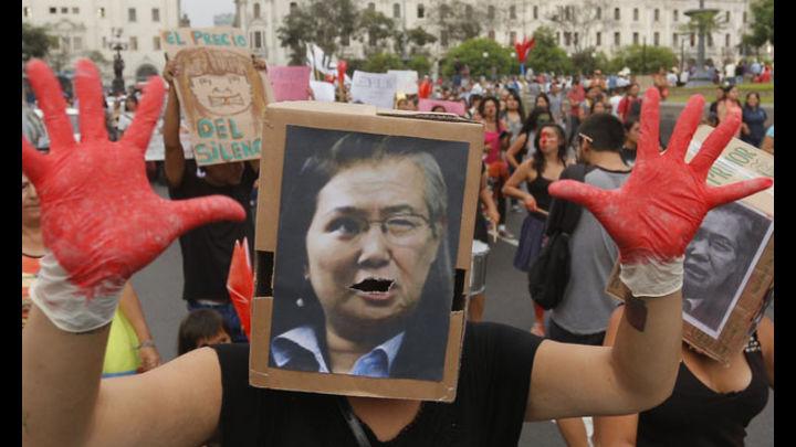 El pueblo no olvida. El domingo 5 de abril del 2015, ciudadanos se movilizaron contra el autogolpe de 1992. Foto: La República