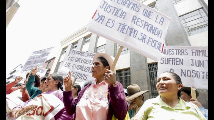 """Víctimas. Según el testimonio de los médicos de Piura, el Ministerio de Salud pagaba a """"captadores"""" de la sierra de Huancabamba para llevarlas a los hospitales a fin de esterilizarlas"""