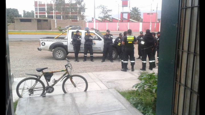 Los serenos llegaron a la comisaría para evitar que el hecho sea denunciado publicamente