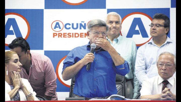César Acuña dio conferencia acompañado de sus candidatos a la vicepresidencia y al Congreso, pero ninguno quiso declarar sobre el caso.